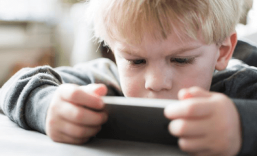 Štetnost mobitela i tableta za djecu je veća nego što smo mislili