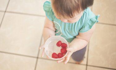 Beba vođa dohrane pod povećalom