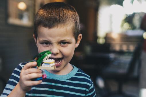 faza prkosa, emocionalni razvoj i loše ponašanje djeteta